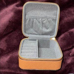 Jewelry - Travel jewelry box